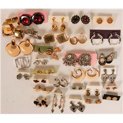Vintage costume jewelry (lot 30)  (114751)