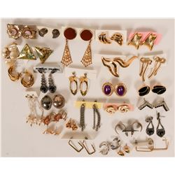 Vintage costume jewelry (lot 30)  (114752)