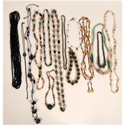 Vintage costume jewelry beaded necklaces (lot 30)  (114788)