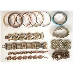 Vintage costume jewelry bracelets in various stones (lot 34)  (114797)