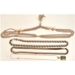 Vintage costume jewelry chains varying style and length (lot15)  (114789)