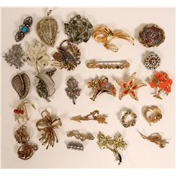 Vintage costume jewelry lapel and brooch pins (lot 26)  (115002)