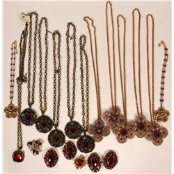 Vintage costume jewelry necklaces (lot 13)  (114763)