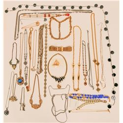 Vintage costume jewelry necklaces (lot 30)  (114771)
