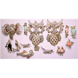 Vintage costume jewelry whimsical lapel pins and brooches (lot 13)  (115170)