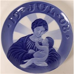 Royal Copenhagen Blue - Christmas Plate Jul 1908 Madonna with the Child  (116241)