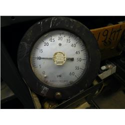 Pressure gauge, Ashcrofy with reynolds label in front  (114222)