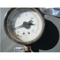 Pressure gauge, unknown  (114226)