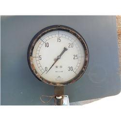 Pressure gauge  (114249)