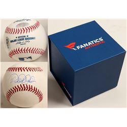 Derek Jeter Autographed Baseball  (100302)