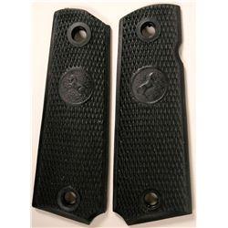 Colt 1911A1 rubber grips  (114702)
