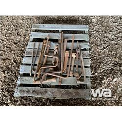 PALLET WITH WHEEL WRENCHES