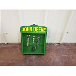 NO RESERVE JOHN DEERE COLLECTIBLE KEY RACK