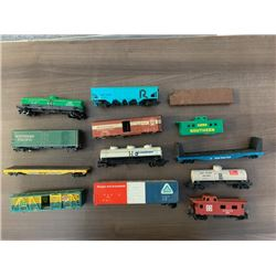 NO RESERVE 12 CIRCA 1970 VINTAGE TRAIN CARS
