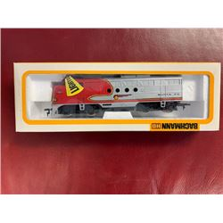 NO RESERVE VINTAGE BACHMANN SANTA FE ENGINE NUMBER 0680EMD.FT.  IN BOX