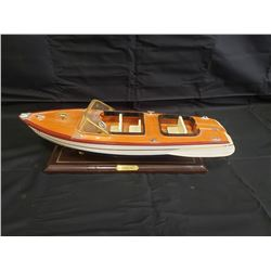 NO RESERVE VINTAGE WOODEN CHRISCRAFT MINIATURE BOAT
