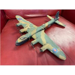NO RESERVE VINTAGE MODEL WORLD WAR II BOMBER PLANE