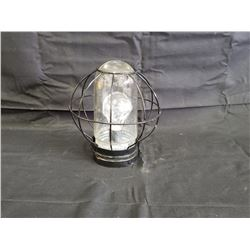 NO RESERVE BATTERY OPERATED VINTAGE COLLECTIBLE LANTERN