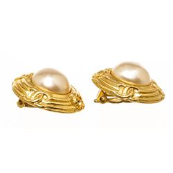 Chanel Gold Faux Pearl CC Vintage Round Clip On Earrings