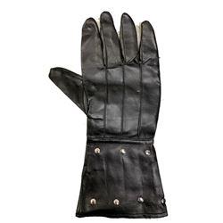 The Mask of Zorro Don Diego de la Vega (Anthony Hopkins) Glove Movie Props