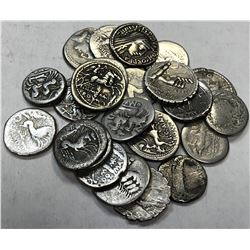ROMAN REPUBLIC: LOT of 24 silver denarii of various types and issuers