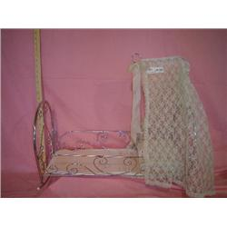 Metal Craddle w Fancy lace  Made in Ita