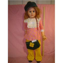 Tall Plastic Doll Charm Bracelet & Purs