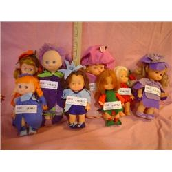 Tray of 8 Dolls Dressed in Felt MT