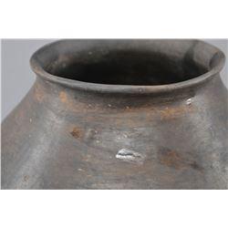 MIMBRES INDIAN PREHISTORIC POTTERY JAR