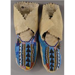 CROW INDIAN MOCCASINS