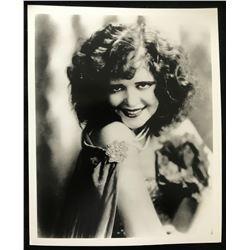 CLARA BOW (1905-1965) - GLOBE PHOTOS, NY.
