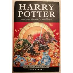 HARRY POTTER AND THE DEATHLY HALLOWS SIGNED.