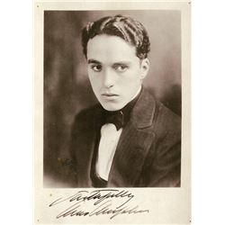 CHARLIE CHAPLIN SIGNED PHOTO.
