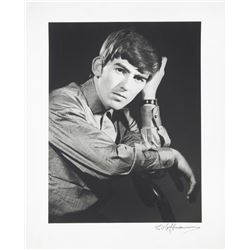 GEORGE HARRISON PHOTOGRAPH SIGNED BY DEZO HOFFMANN
