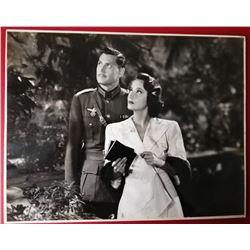 CARL ESMOND AND MERLE OBERON VINTAGE PHOTO.