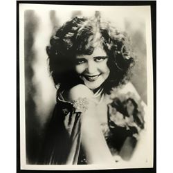 CLARA BOW (1905-1965) - GLOBE PHOTOS, NY.