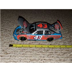 ONE #43 STOCK CAR (FULLY FUNCTIONAL) RICHARD PETTY