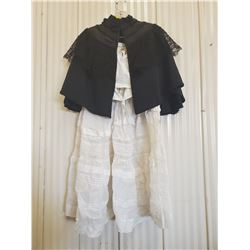 LADIES OLD CLOTHING, NO SIZE INDICATED APPEARS TO BE LADIES SIZE SMALL