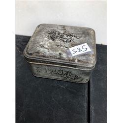 BUCKINGHAM PALACE OLD TEA TIN