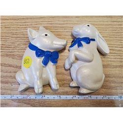 2 VINTAGE PIG & RABBIT CHALKWARE