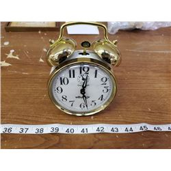 WESTCLOX TWIN-BELL ALARM CLOCK (NOT OLD) WORKING CONDITON