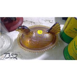 HEN ON A NEST (AMBER GLASS)