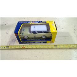 MOTOR MAX 1/24 SCALE 1955 CHEVY BEL AIR NOMAD WAGON