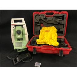 LEICA PINPOINT R100 SURVEYING TOOL WITH CHARGER AND CASE