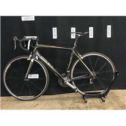 BLACK TREK MADONE 5.1 20 SPEED ROAD BIKE, HYBRID CLIP PEDALS, STANDOVER HEIGHT: 80 CM