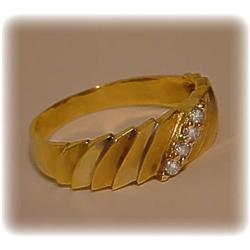SOLID14K YELLOW GOLD VINTAGE GENUINE DIAMOND MENS