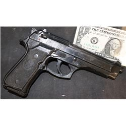 AMERICAN ASSASSIN MICHAEL KEATON STUNT GUN