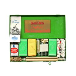 ABERCROMBIE & FITCH PARKER HALE CLEANING KIT.