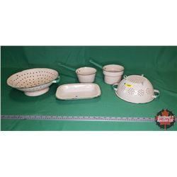 Green/Cream Enamelware (5 pcs) (Colanders, Pots, Tray)