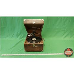 Victor Talking Machine Co. Portable Phonograph w/Crank (VV50 S/N#72248) with Wilf Carter Record